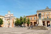 Piazza marconi v santarcangelo di romagna, itálie — Stock fotografie