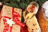 Panettone and Spumante, the italian Christmas tradition — Stock Photo