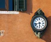 Antigue street clock, Venice — Stock Photo