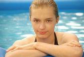 Teen Girl in Yard Pool — Stock Photo