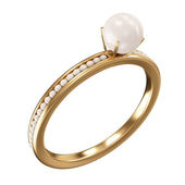 Golden ring with pearls — Stock Photo