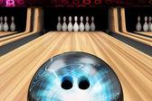 Ball auf hölzernen lane — Stockfoto