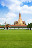 Thai temple in grand palace Bangkok — Stock Photo