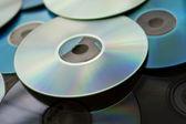いくつかのコンパクト ディスク cd の山 — ストック写真