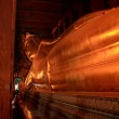 Reclining Buddha gold statue at Wat Pho, Bangkok, Thailand — Stock Photo