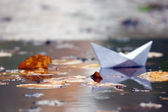 Paper toy boat — Stock Photo