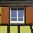 Green timberframe house — Stockfoto #12836547