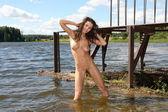 Ragazza nuda con le tette grosse. — Foto Stock
