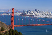 San Francisco Panorama w the Golden Gate bridge — Stock Photo