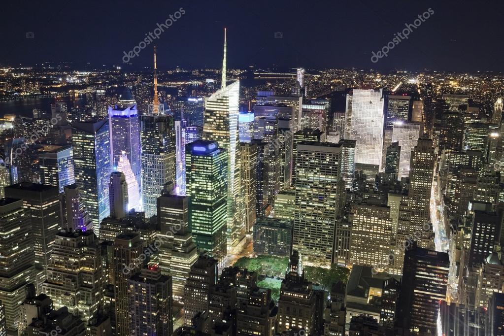 La ville de new york uptown dans la nuit photographie for Ville a new york