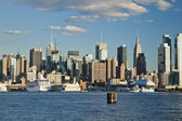 Die skyline von new york city uptown am nachmittag — Stockfoto
