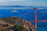 The Golden Gate Bridge, Oakland City and Alcatraz — Stock Photo