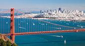 San Francisco Panorama w the Golden Gate bridge — Stock Photo