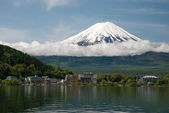 Mount Fuji from Kawaguchiko lake in Japan — Stock Photo