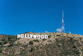 Hollywood sign on Santa Monica mountains in Los Angeles — Stock Photo