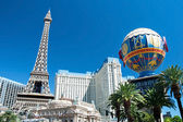 Eiffel Tower restaurant and Montgolfier Balloon on the Las Vegas — Stock Photo