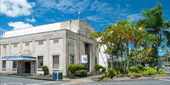 Pacific tsunami museum in Hilo Big Island Hawaii panorama — Stock Photo