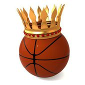 Basketball and gold crown — Stock Photo