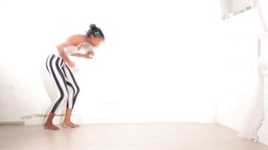 Girl dancing — Stock Video