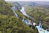 Widok na założenie sviatogorsky laura. sviatogorska, ukraina — Zdjęcie stockowe