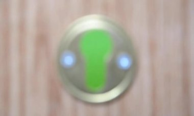 Keyhole against chroma key — Stock Video