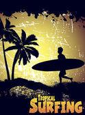 热带海滩上的冲浪者的剪影 — 图库矢量图片