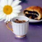 Classical breakfast. Coffee and bun — Stock Photo