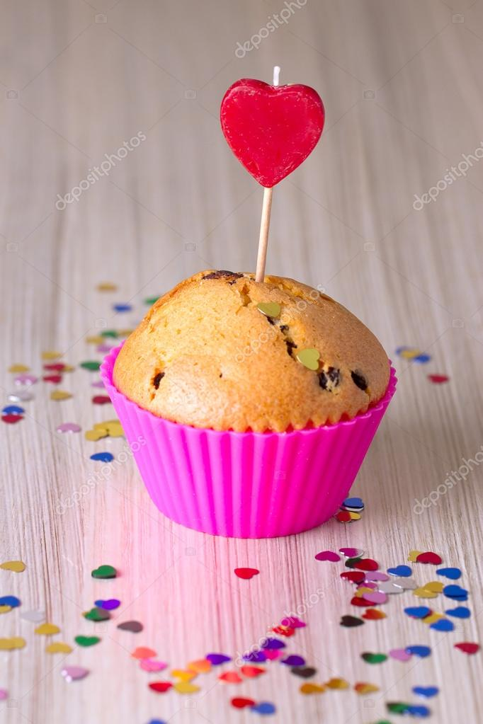 Cute Chocolate Cupcake  Pink Heart on Top — Stock Photo #18982479