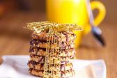 świąteczne ciasteczka związany z taśmy — Zdjęcie stockowe