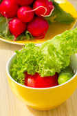 Pomodori, cetrioli e spinaci freschi — Foto Stock