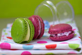Macaroon in the bank — Stock Photo