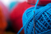 Needle with yarn — Stockfoto