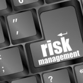 Keyboard with risk management button, internet concept — Stockfoto