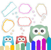 Happy owl family with speech bubble — Stock Photo