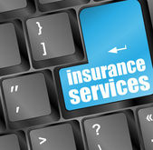 Clavier avec touche de services d'assurance, concept internet — Photo