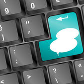 Social media key with speech bubble sign on the keyboard — Stock Photo