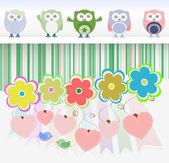 Tatlı baykuşlar, çiçekler, sevgi kalpleri ve sevimli kuş — Stok fotoğraf