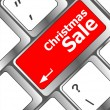 Christmas sale on computer keyboard key button — 图库照片