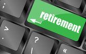 Pension för investeringar koncept med en knapp på datorns tangentbord — Stockfoto