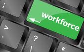 Touches de main-d'œuvre sur clavier - concept d'affaires — Photo