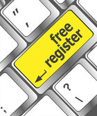 Registrati gratis chiave computer mostrando il concetto di internet — Foto Stock