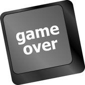Teclado de computador com jogo sobre chave - fundo de tecnologia — Foto Stock