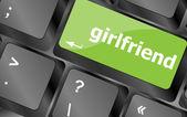 Bilgisayar pc klavye tuşu düğmesini kız — Stok fotoğraf
