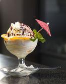 Ice cream in a dish — Stock Photo