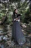Chica y el libro — Foto de Stock