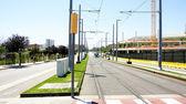 Gatan med vägar och streetcar — Stockfoto