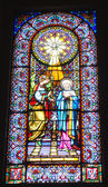 Glas windows und dekoriert im inneren der basilika unserer lieben frau von montserrat — Stockfoto