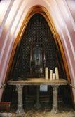 Inside the chapel in the Güell Bodegas Garraf, Barcelona — Stock Photo