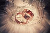 Vintage wedding rings — Stock Photo