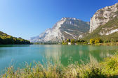 Toblino lake and castle — Stockfoto
